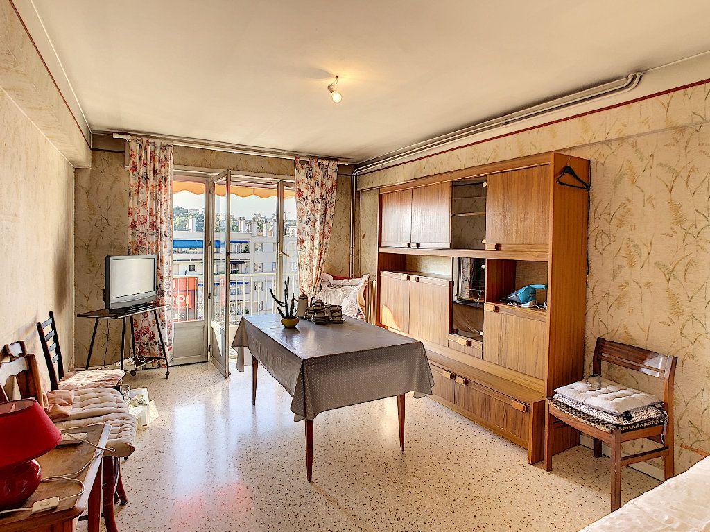 Appartement à vendre 3 61.09m2 à Antibes vignette-3