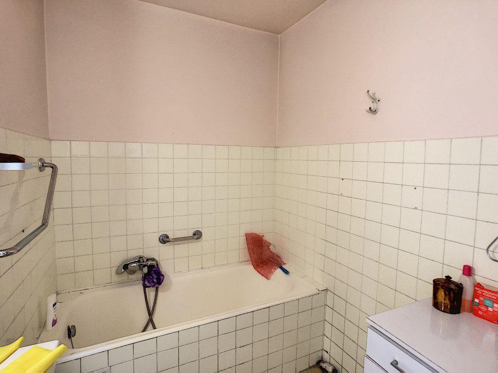 Appartement à vendre 3 61.09m2 à Antibes vignette-8