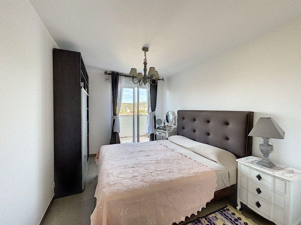 Appartement à vendre 3 63.27m2 à Antibes vignette-7