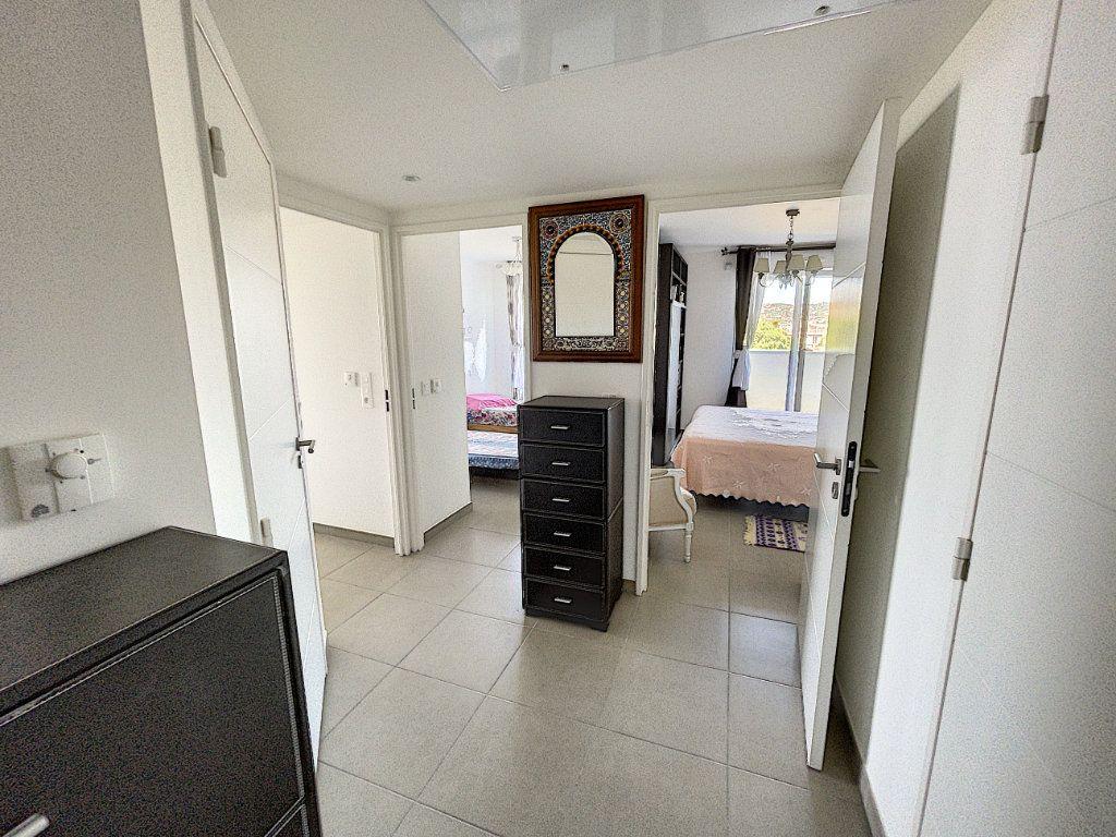 Appartement à vendre 3 63.27m2 à Antibes vignette-8