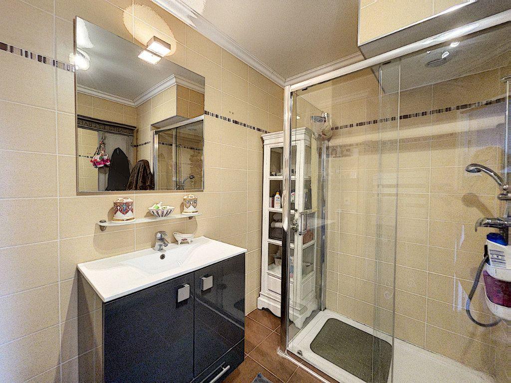 Appartement à vendre 3 63.27m2 à Antibes vignette-9