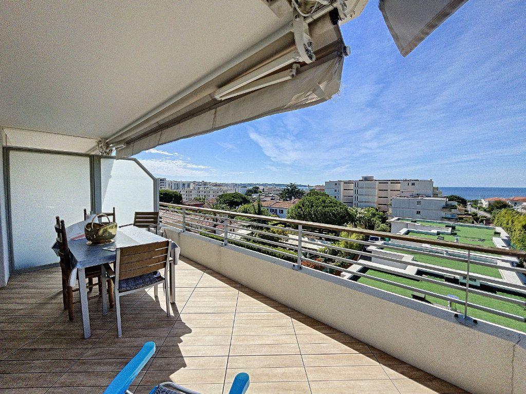 Appartement à vendre 3 63.27m2 à Antibes vignette-10