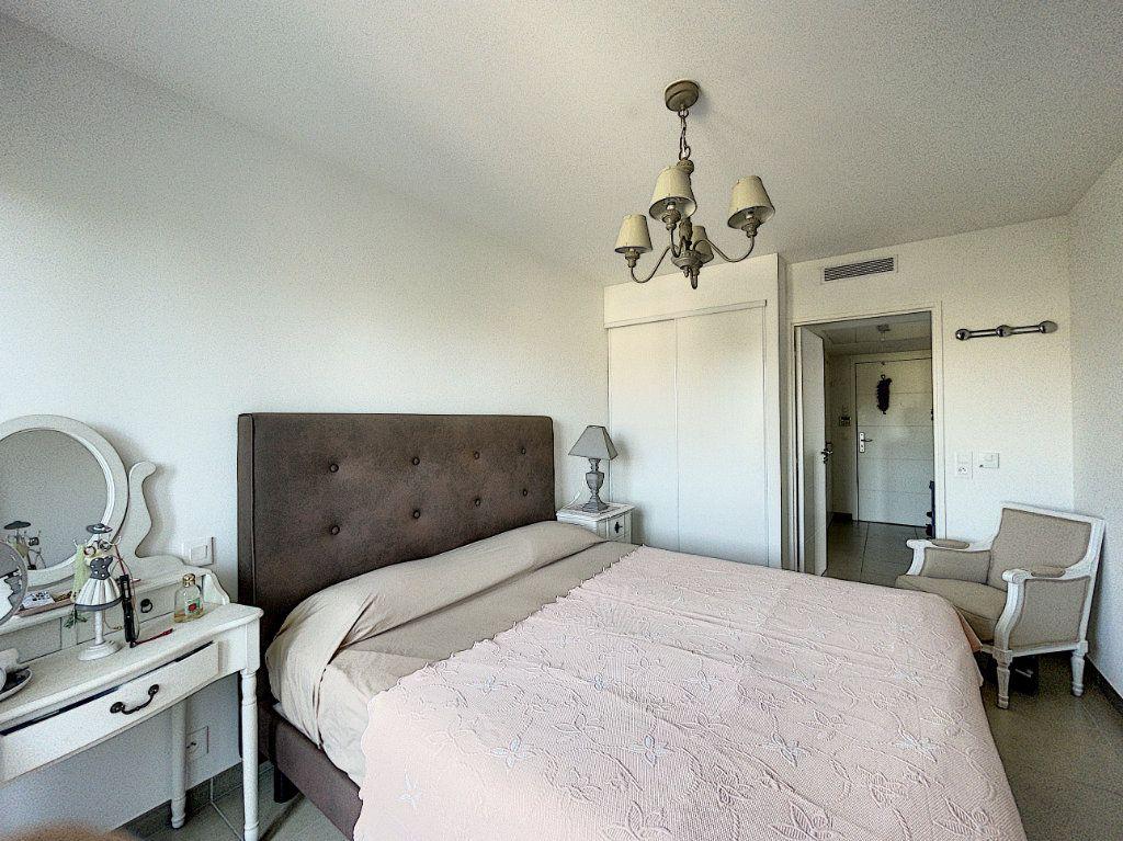 Appartement à vendre 3 63.27m2 à Antibes vignette-13