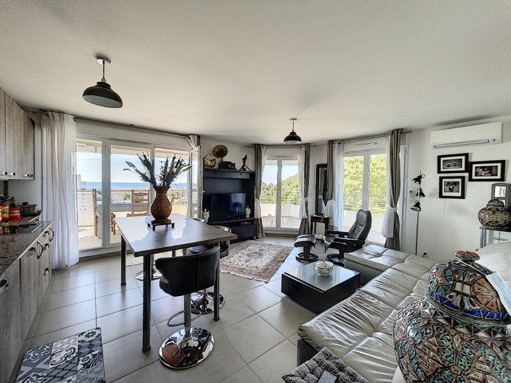 Appartement à vendre 3 63.27m2 à Antibes vignette-14