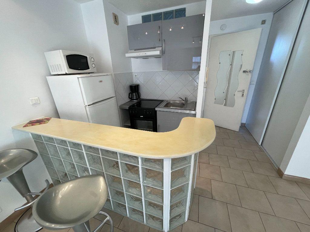 Appartement à louer 1 26.22m2 à Antibes vignette-2