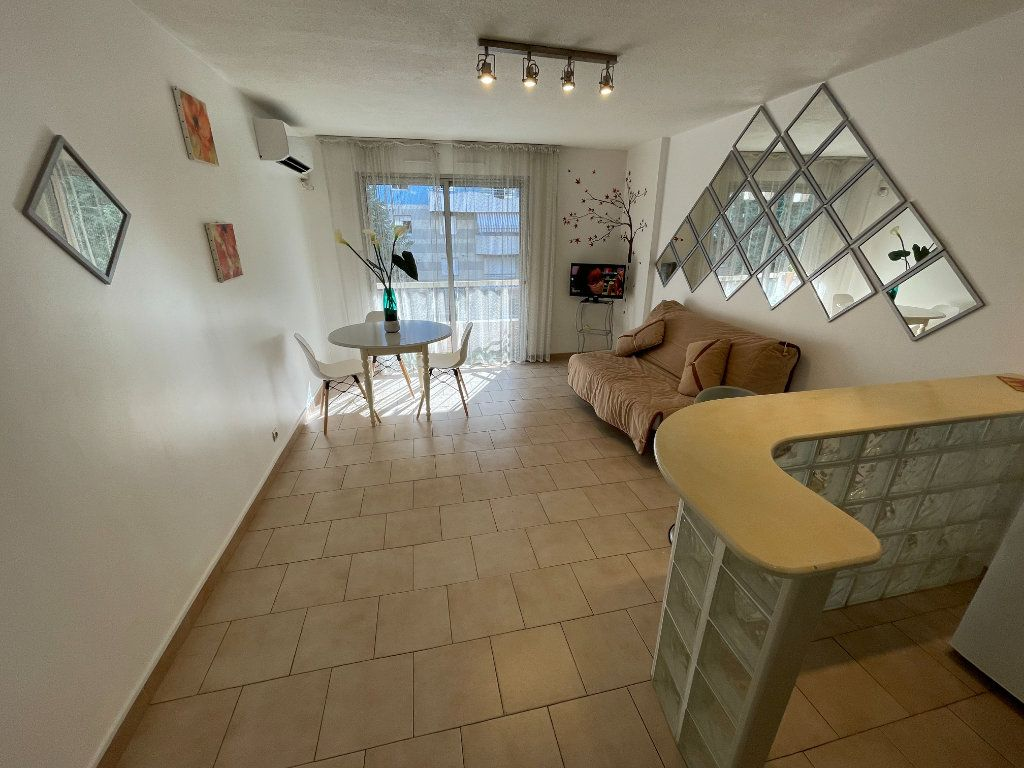 Appartement à louer 1 26.22m2 à Antibes vignette-4