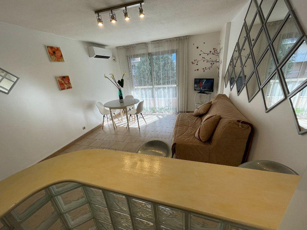 Appartement à louer 1 26.22m2 à Antibes vignette-7