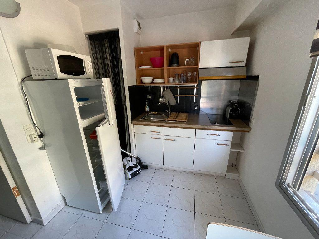 Appartement à louer 1 34.32m2 à Juan-les-Pins - Antibes vignette-2