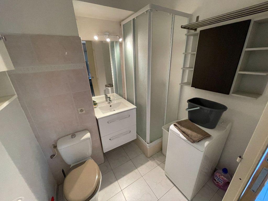 Appartement à louer 1 34.32m2 à Juan-les-Pins - Antibes vignette-3