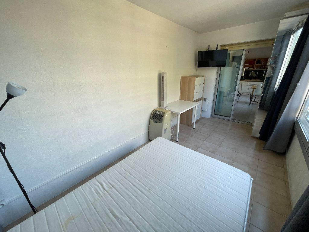 Appartement à louer 1 34.32m2 à Juan-les-Pins - Antibes vignette-5