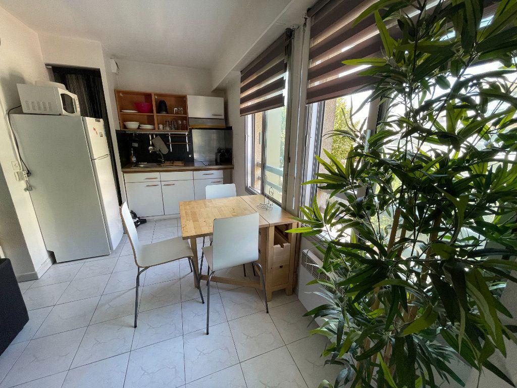 Appartement à louer 1 34.32m2 à Juan-les-Pins - Antibes vignette-6