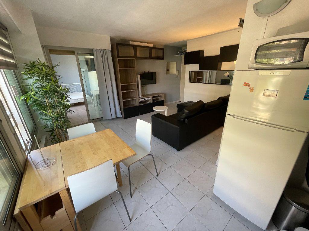 Appartement à louer 1 34.32m2 à Juan-les-Pins - Antibes vignette-8
