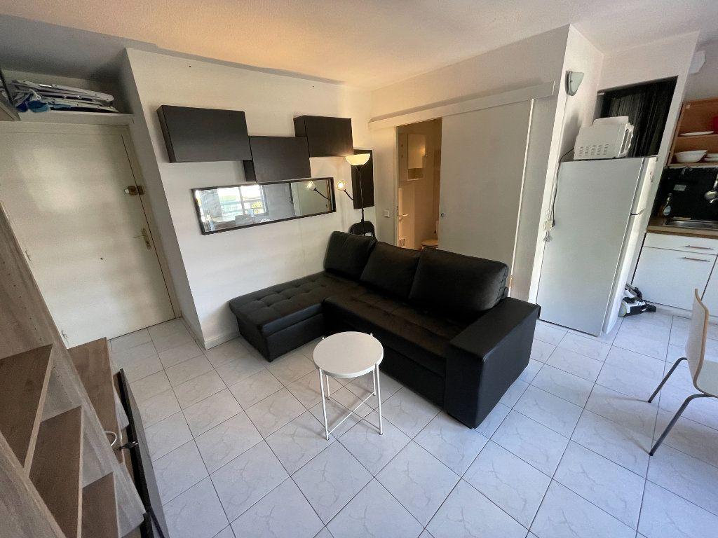 Appartement à louer 1 34.32m2 à Juan-les-Pins - Antibes vignette-11