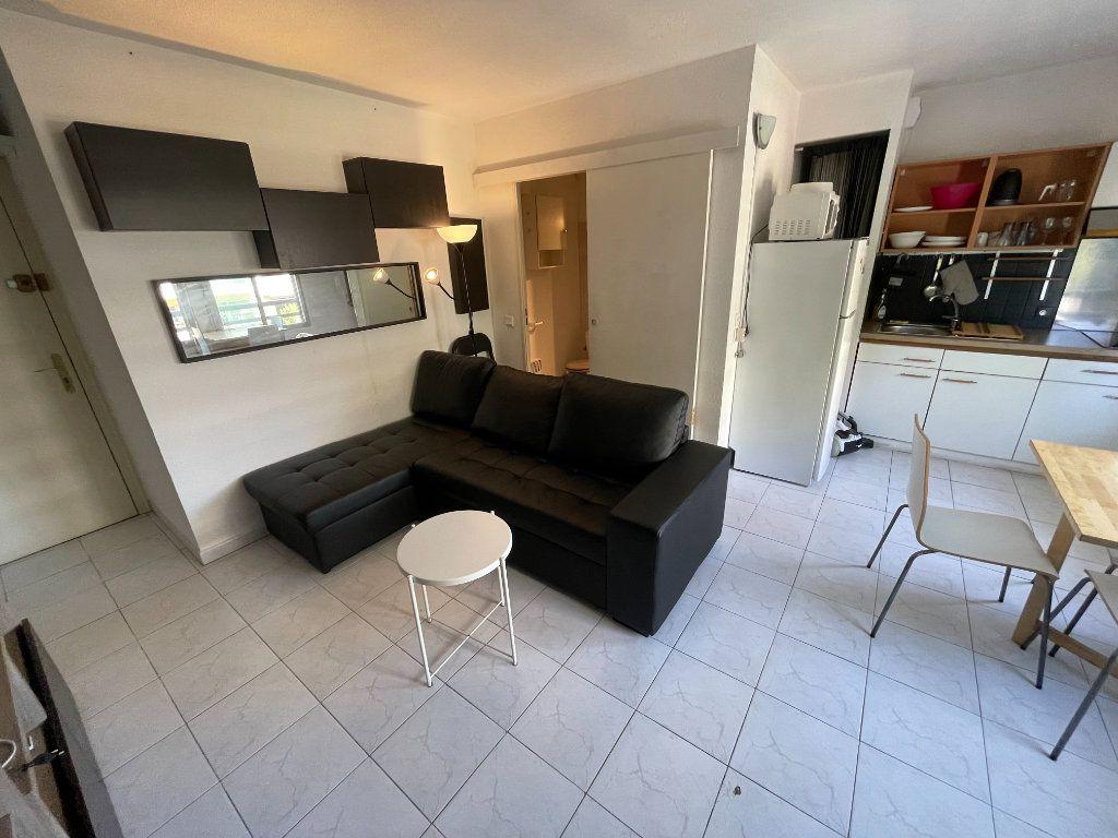 Appartement à louer 1 34.32m2 à Juan-les-Pins - Antibes vignette-12