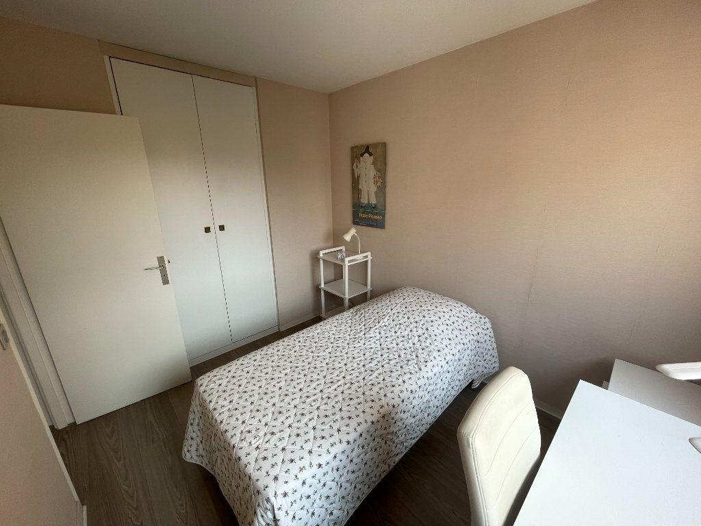 Appartement à louer 3 64.34m2 à Antibes vignette-5
