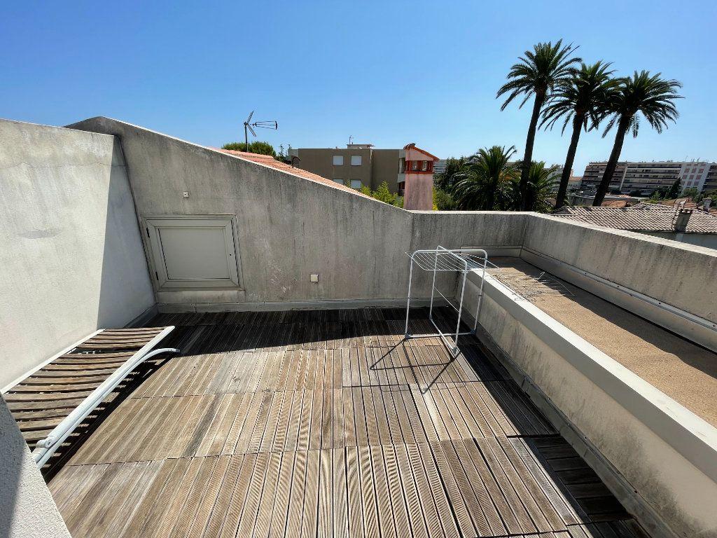 Appartement à louer 2 36m2 à Antibes vignette-1