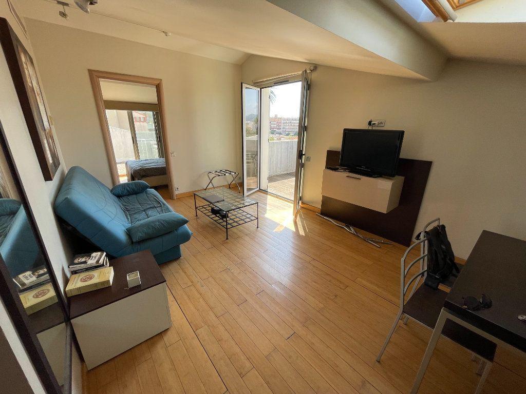 Appartement à louer 2 36m2 à Antibes vignette-2