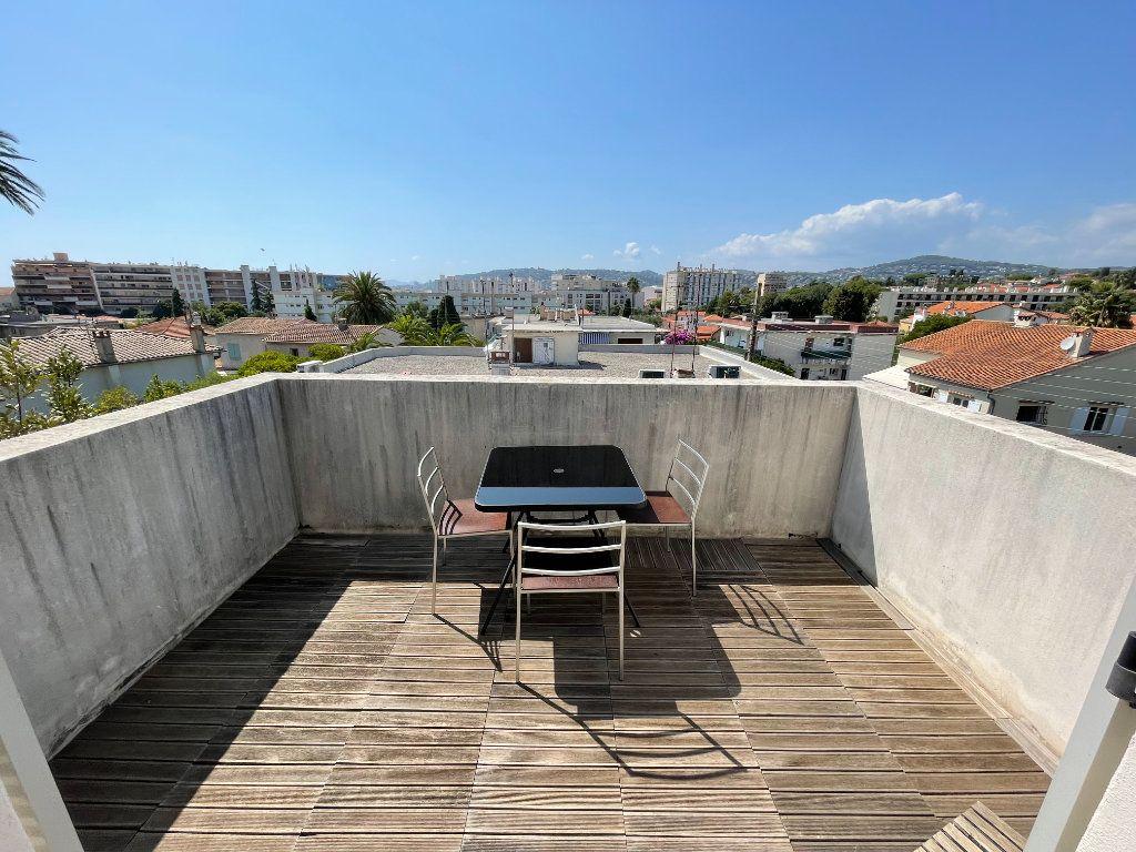 Appartement à louer 2 36m2 à Antibes vignette-4