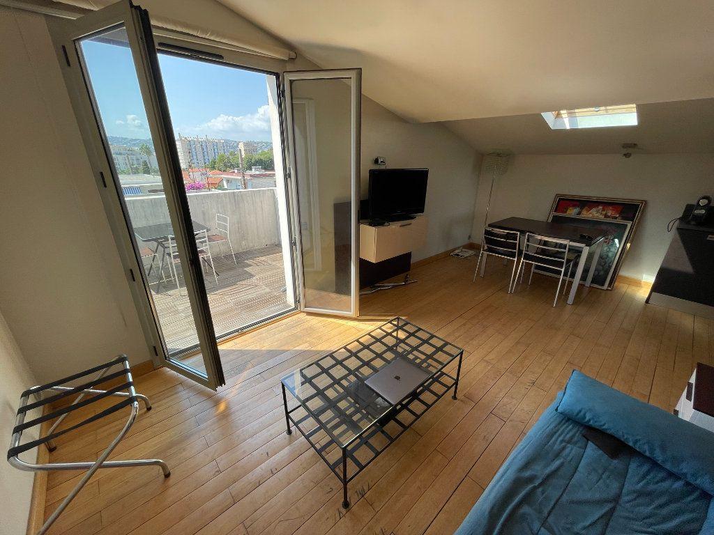 Appartement à louer 2 36m2 à Antibes vignette-9