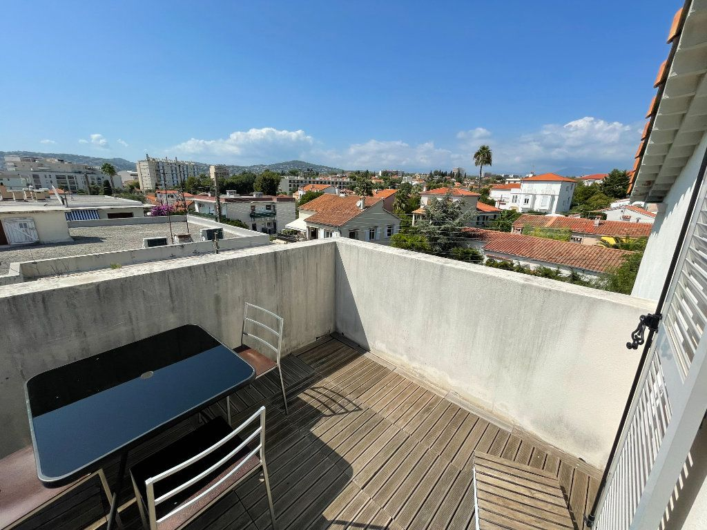 Appartement à louer 2 36m2 à Antibes vignette-11