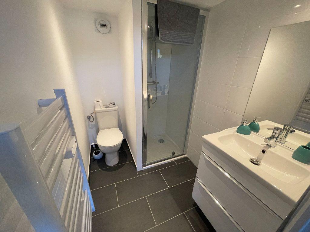 Appartement à louer 1 29.7m2 à Villeneuve-Loubet vignette-5