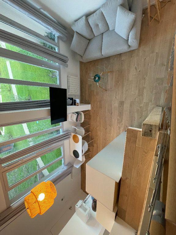 Appartement à louer 1 29.7m2 à Villeneuve-Loubet vignette-12