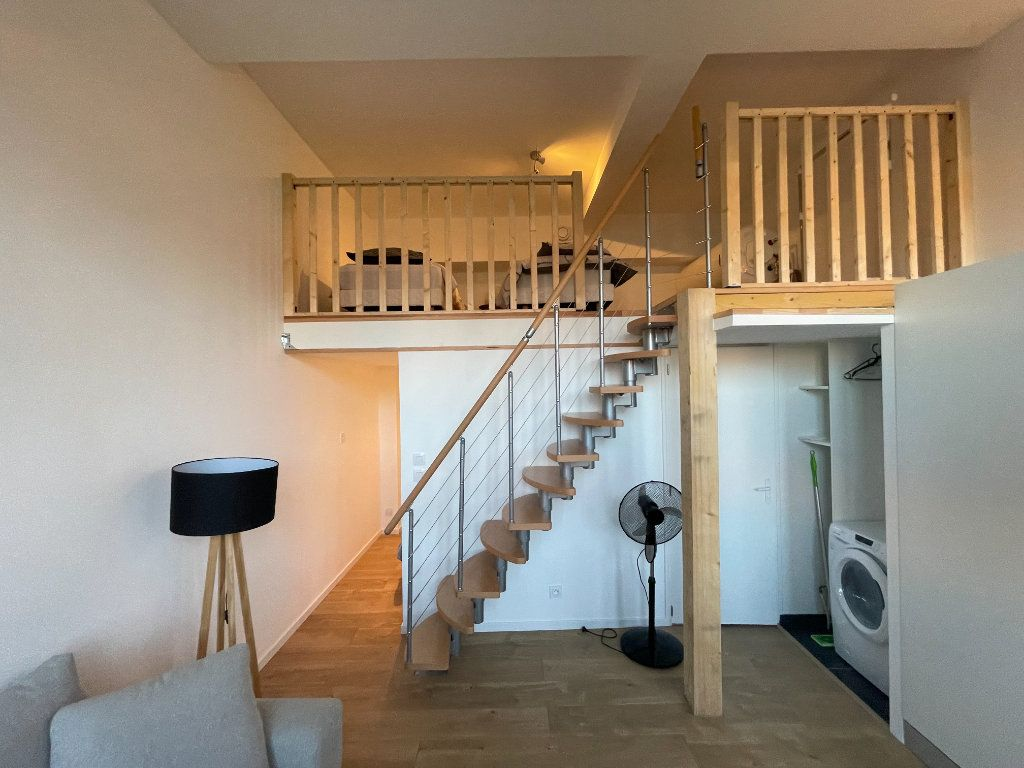 Appartement à louer 1 29.7m2 à Villeneuve-Loubet vignette-15