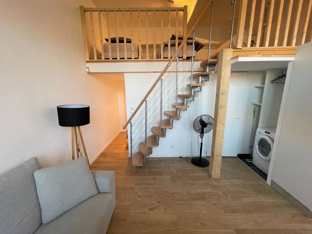 Appartement à louer 1 29.7m2 à Villeneuve-Loubet vignette-16