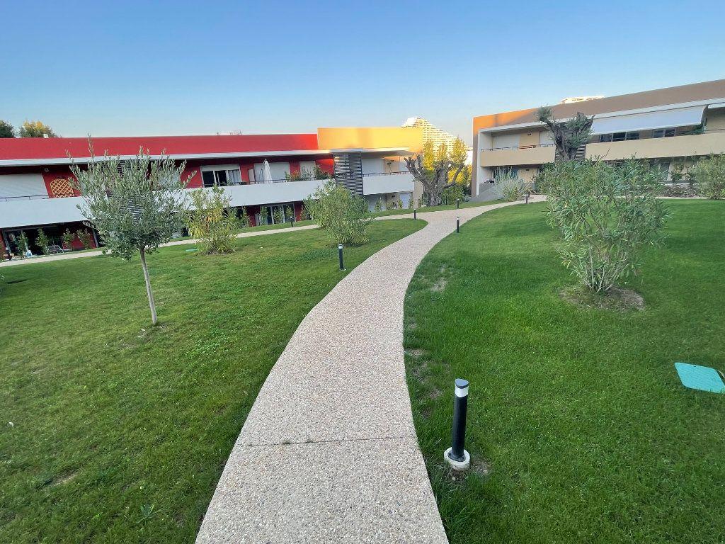 Appartement à louer 1 29.7m2 à Villeneuve-Loubet vignette-18