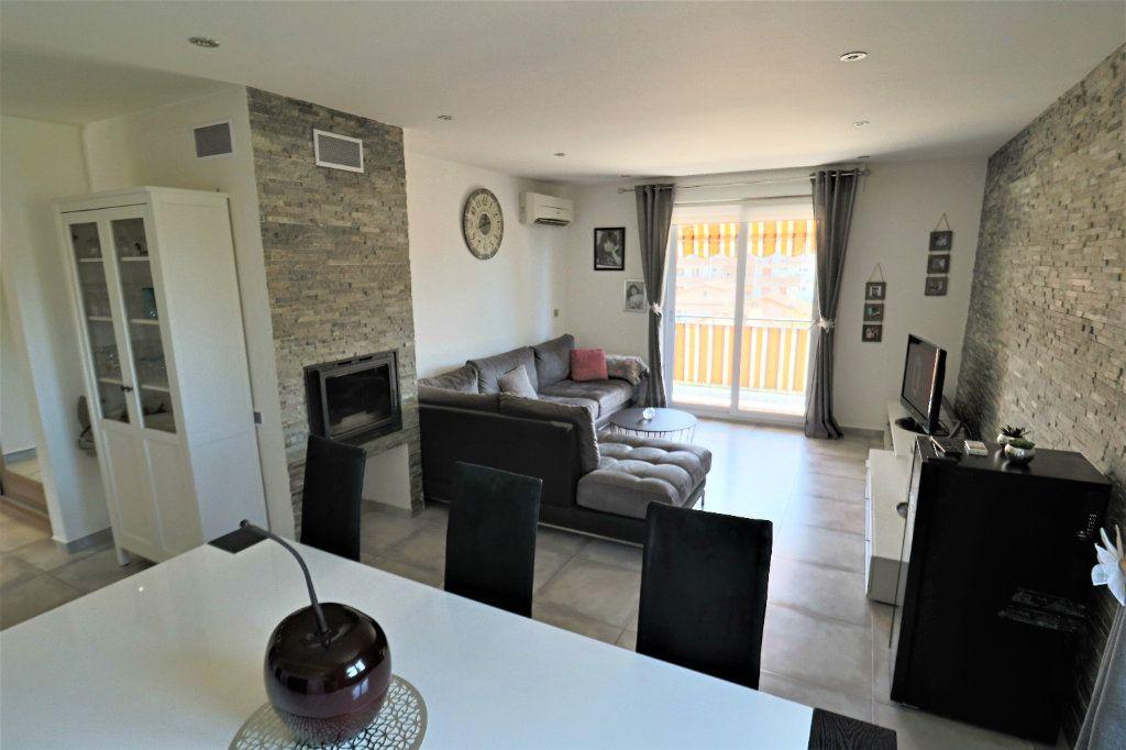 Appartement à vendre 3 81.09m2 à Le Cannet vignette-2