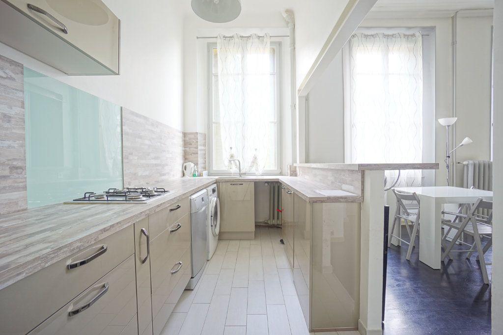Appartement à louer 3 69.11m2 à Grasse vignette-4