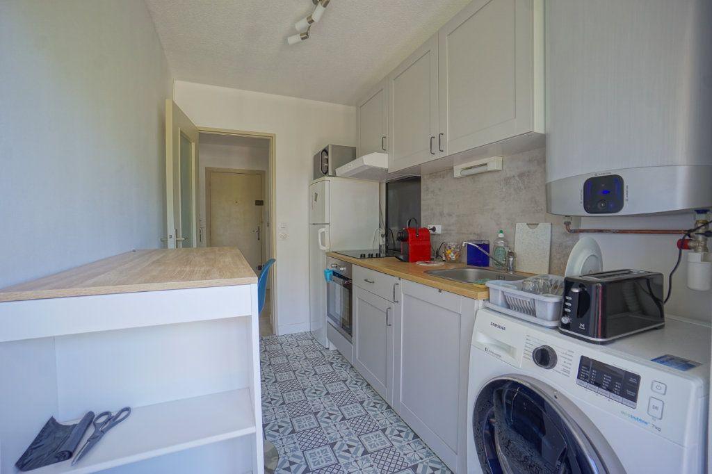 Appartement à louer 2 45.5m2 à Le Cannet vignette-3