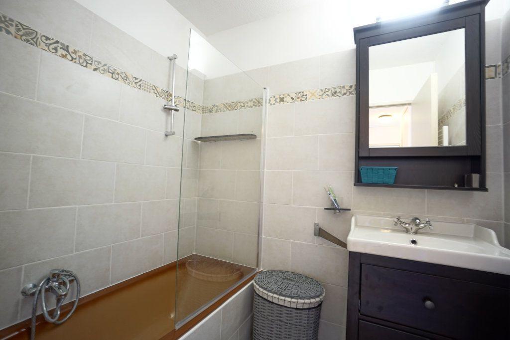 Appartement à louer 2 45.5m2 à Le Cannet vignette-5