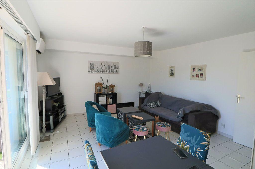 Appartement à vendre 3 65.48m2 à Le Cannet vignette-1