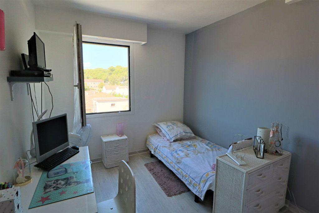 Appartement à vendre 3 65.48m2 à Le Cannet vignette-7
