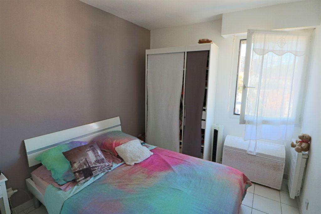 Appartement à vendre 3 65.48m2 à Le Cannet vignette-8