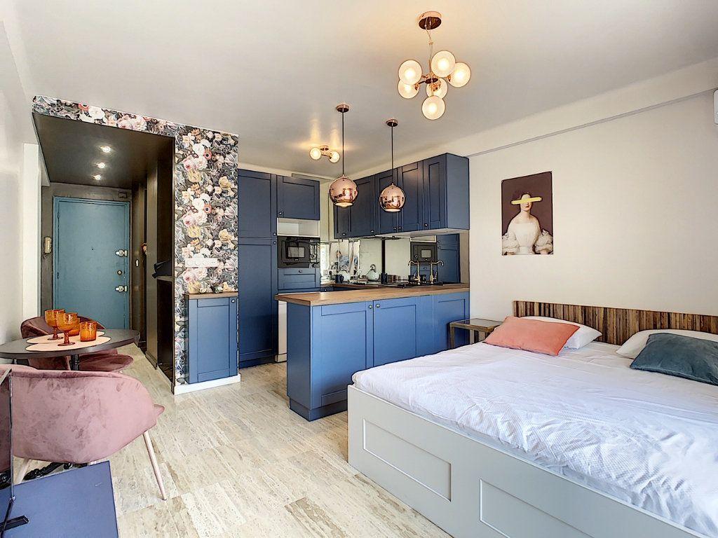 Appartement à vendre 1 30m2 à Cannes vignette-4
