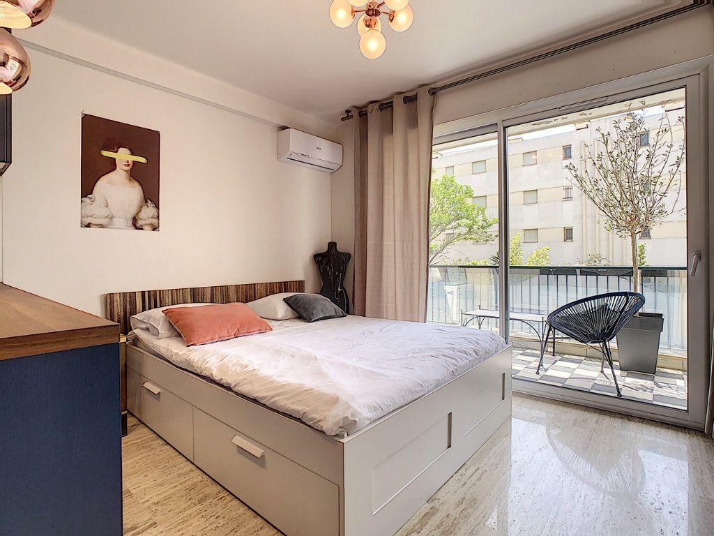 Appartement à vendre 1 30m2 à Cannes vignette-5