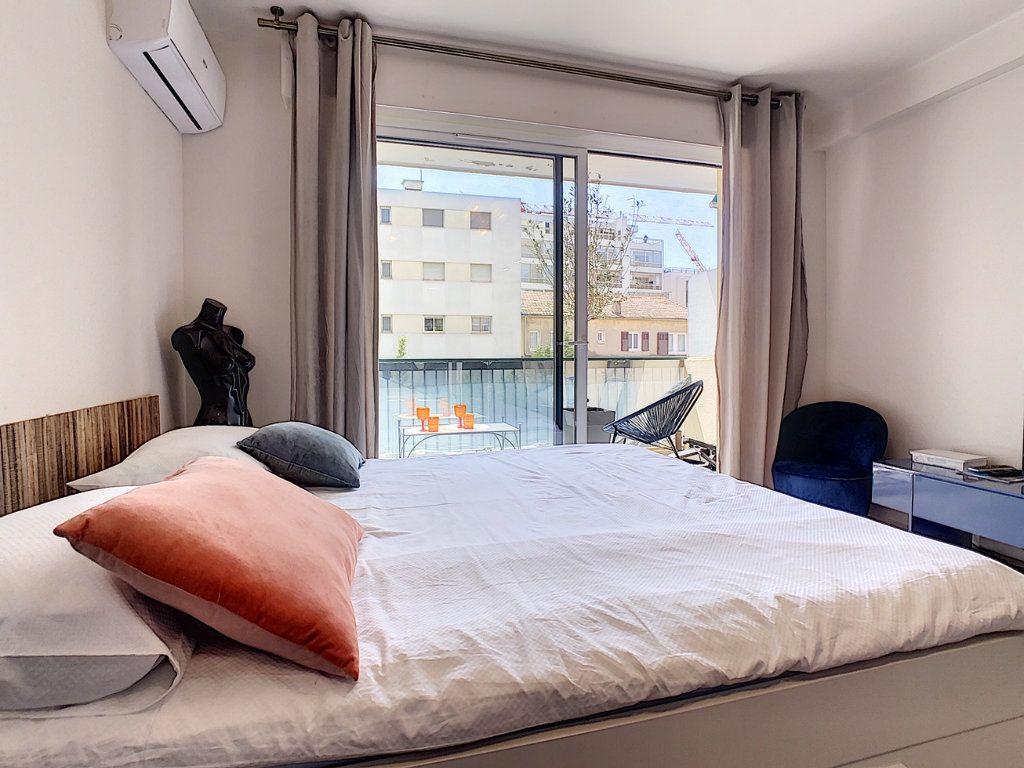 Appartement à vendre 1 30m2 à Cannes vignette-7