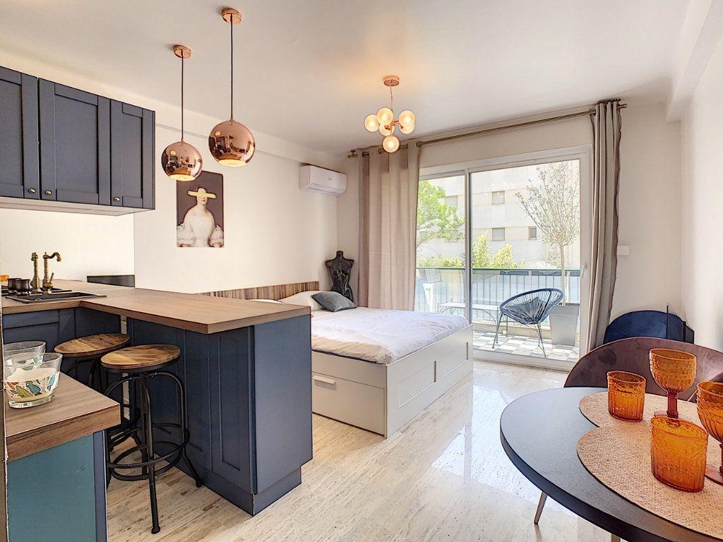 Appartement à vendre 1 30m2 à Cannes vignette-9