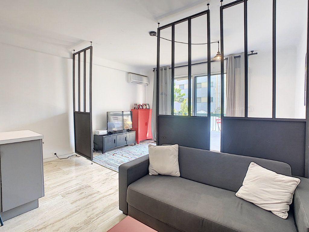 Appartement à vendre 1 34.05m2 à Cannes vignette-3