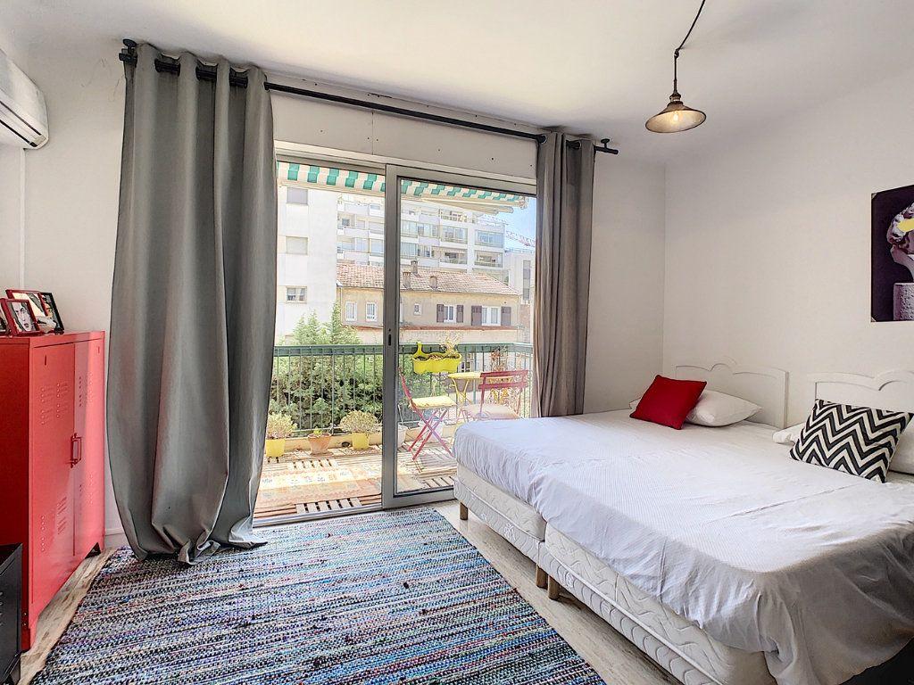 Appartement à vendre 1 34.05m2 à Cannes vignette-4