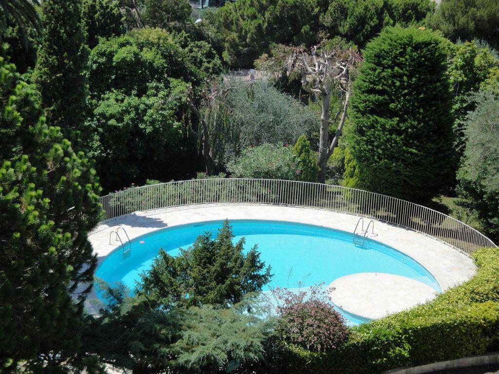 Appartement à vendre 2 65.02m2 à Cannes vignette-4