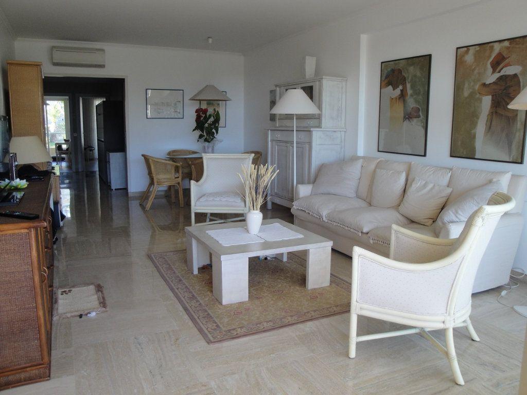 Appartement à vendre 2 65.02m2 à Cannes vignette-6