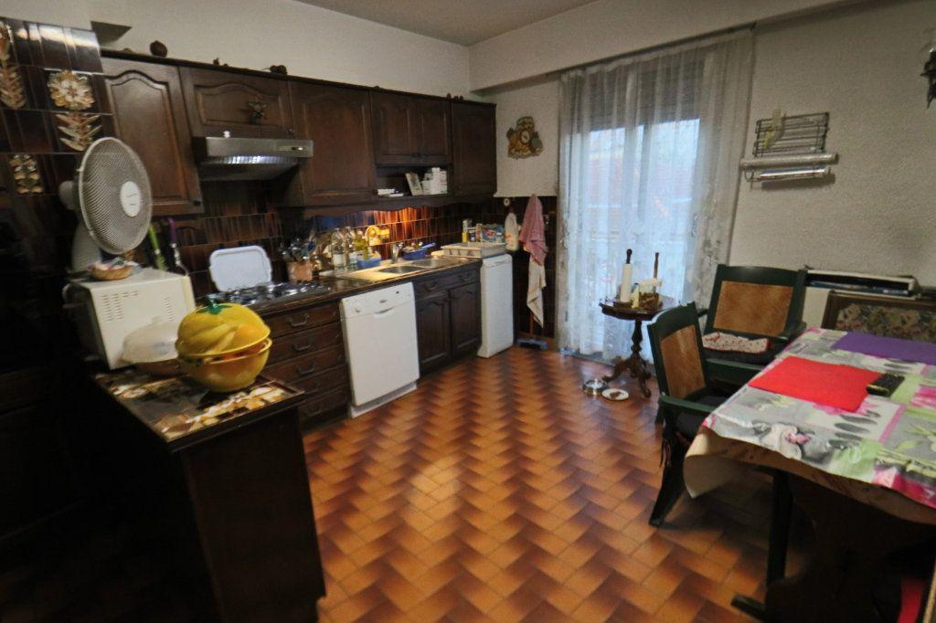 Appartement à vendre 4 114.54m2 à Le Cannet vignette-4