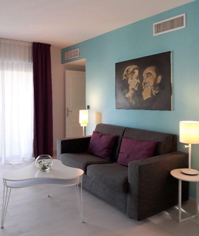 Appartement à vendre 3 65m2 à Cannes vignette-2