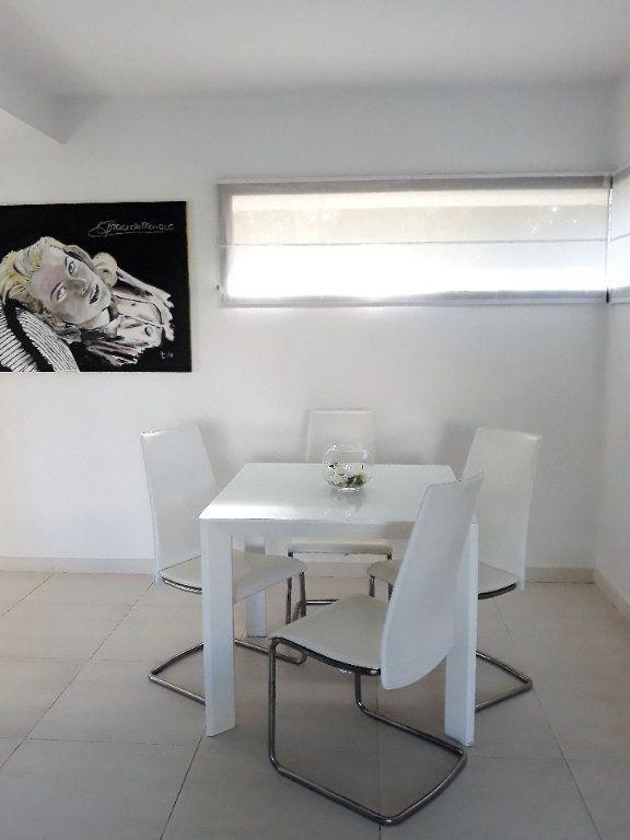 Appartement à vendre 3 65m2 à Cannes vignette-6