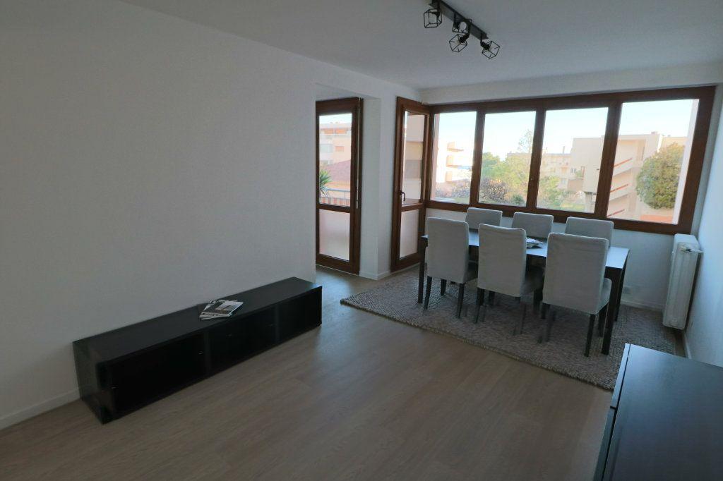 Appartement à vendre 3 53.15m2 à Cannes vignette-2