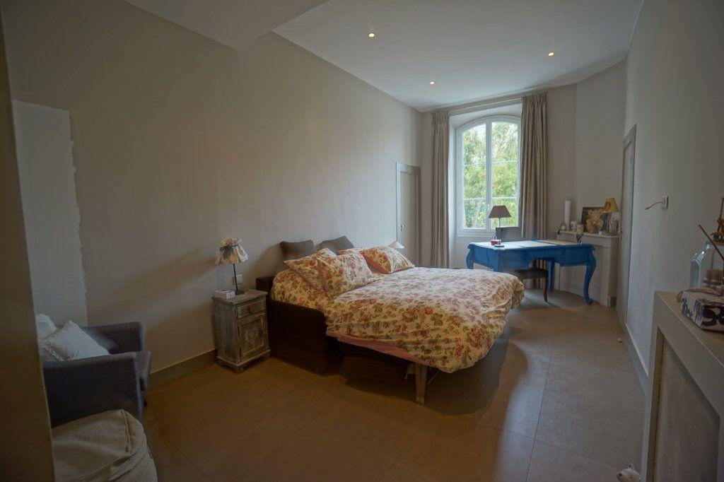 Appartement à vendre 4 121m2 à Cannes vignette-5