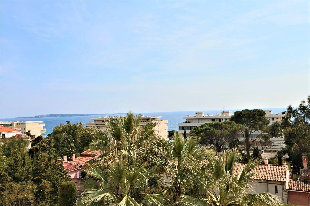 Appartement à vendre 2 38.72m2 à Cannes vignette-2